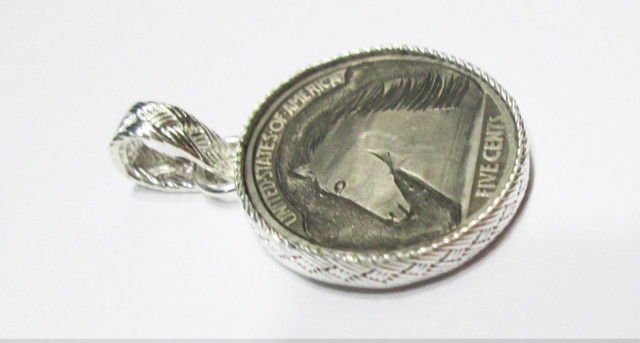 Hand Carved Buffalo Nickel Pendant – AZ19H Horse