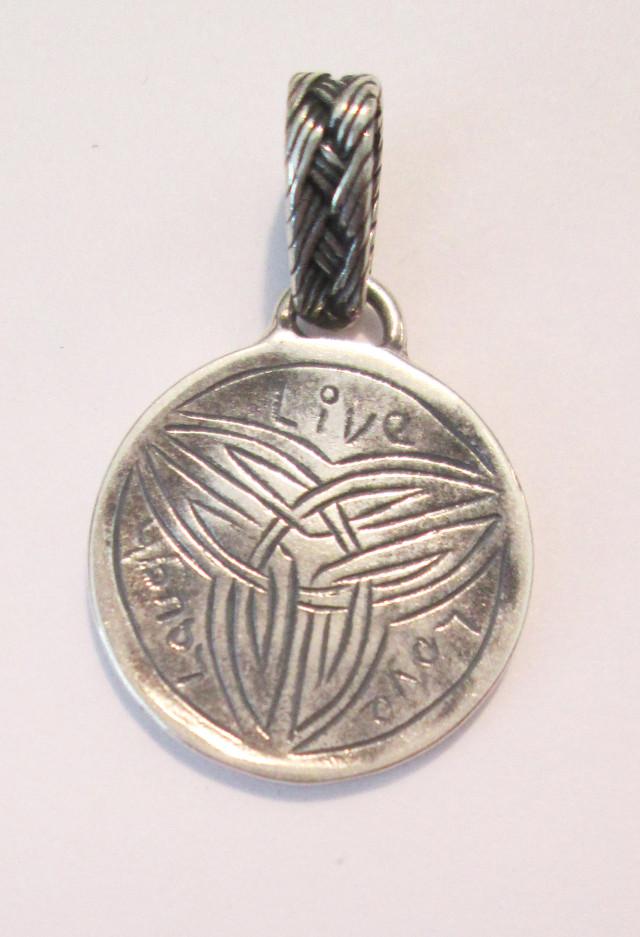Medallion Pendant – HCC4