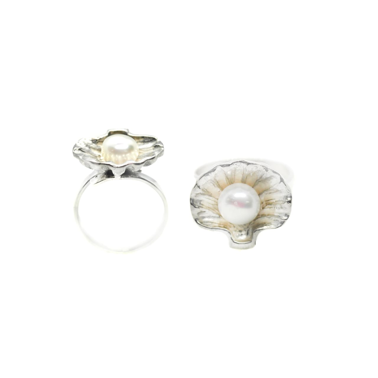 Silver Shell and Pearl Ring – (RB20)