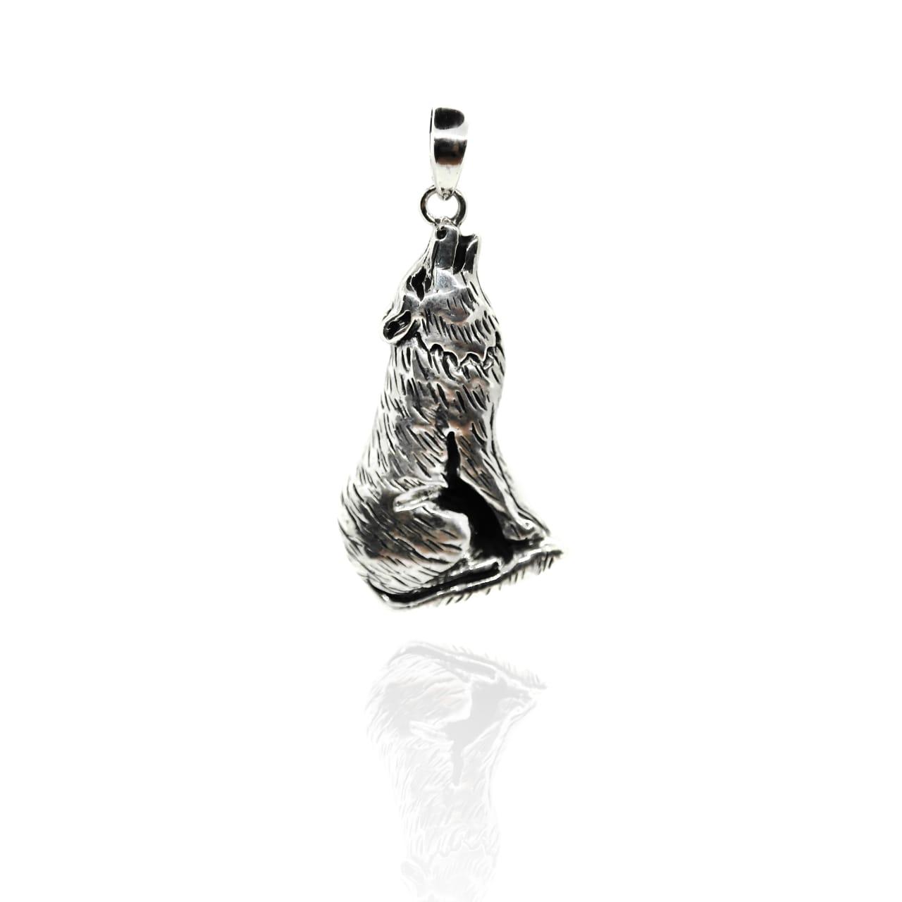 Silver wolf pendant – (BP46)